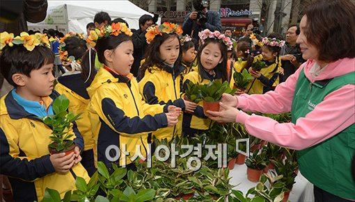 [포토]청정원, '희망의 나무 나누기' 개최