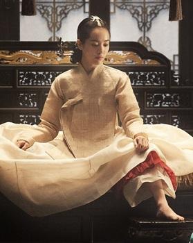한지민이 정순왕후 역으로 역린에 출연한다.(출처: 영화 '역린'포스터)