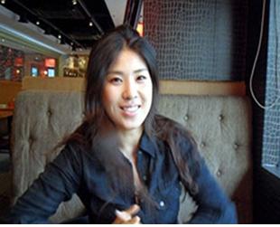 강유미가 tvN에서 방송되는 SNL코리아5 의 예능작가로 데뷔한다.