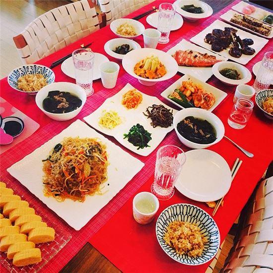 ▲야노시호 음식 솜씨. 야노시호가 시아버지 생일을 맞아 차린 음식들. (출처: 야노시호 인스타그램)
