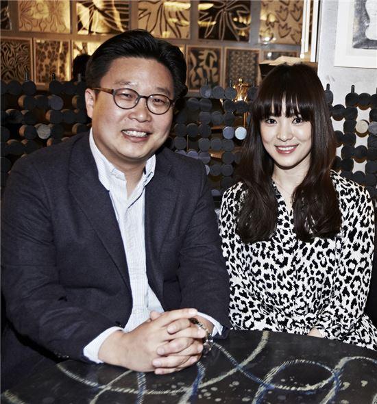 서경덕 교수(왼쪽)와 배우 송혜교
