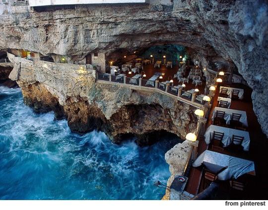 ▲바다 절벽 레스토랑.(사진: Pinterest 홈페이지)
