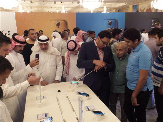 갤럭시S5 판매 첫 날, 사우디아라비아