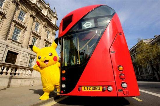 ▲버스 타는 피카츄 (사진: Transport for London 트위터)