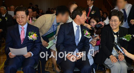與 서울시장 후보 마지막 토론회…막판까지 팽팽한 '공방'