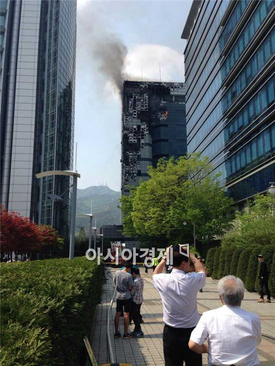 20일 화재가 발생한 삼성SDS 과천ICT센터 현장