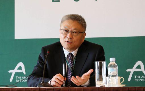 옌쉐퉁 칭화대 교수
