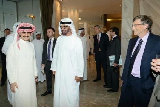 사우디아라비아 왕자 일 왈리드 빈 탈랄(왼쪽) 취미는 비행기 수집.(사진:왈리드 트위터)