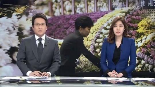 ▲김시곤 KBS 보도국장이 앵커들에게 검은 옷을 입지 말 것을 지시해 논란이 일고 있다. (사진: KBS 뉴스 보도 캡처)