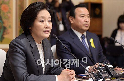 [포토]답변하는 박영선 원내대표