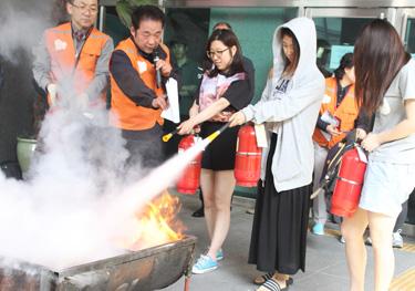 동덕여대 화재대피훈련 모습