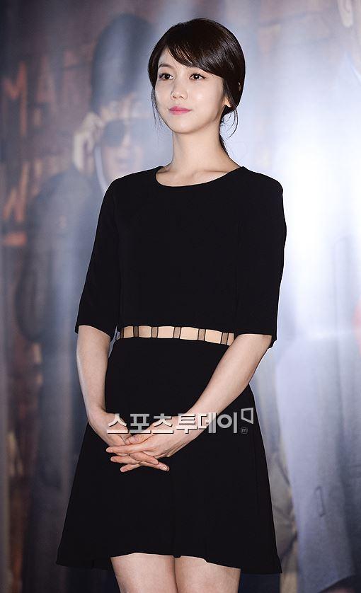 김옥빈, 유나의 거리 출연.