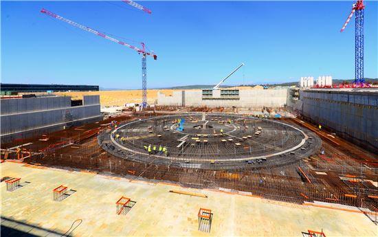 ▲핵융합실험로가 프랑스 카다라쉬에 건설중이다.