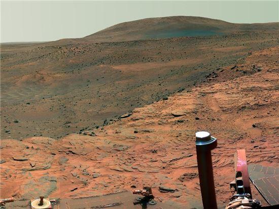▲탐사로봇이 촬영한 화성.[사진제공=NASA]