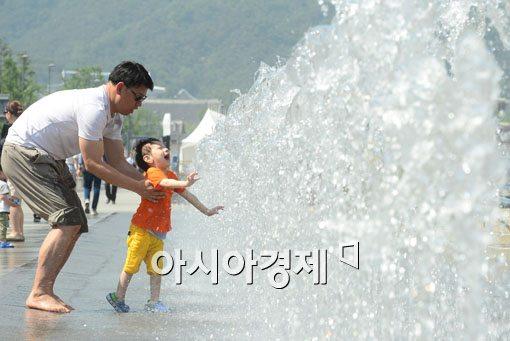 [오늘날씨]서울 32도 대구 35도 무더위