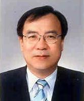 시민경청위원회 위원장으로 위촉된 박재묵 충남대 교수