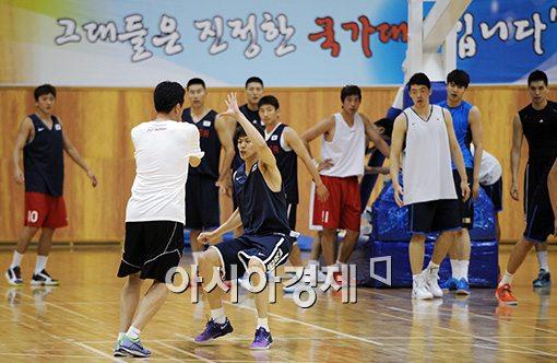 [포토]농구대표팀, '인천AG을 향한 구슬땀'