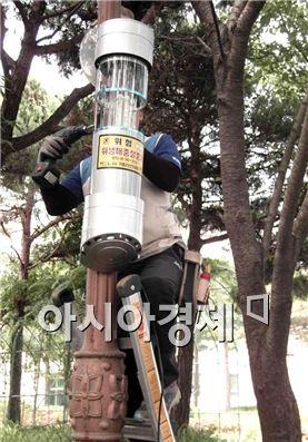 구례군이 친환경 해충 퇴치기를 일제점검했다.