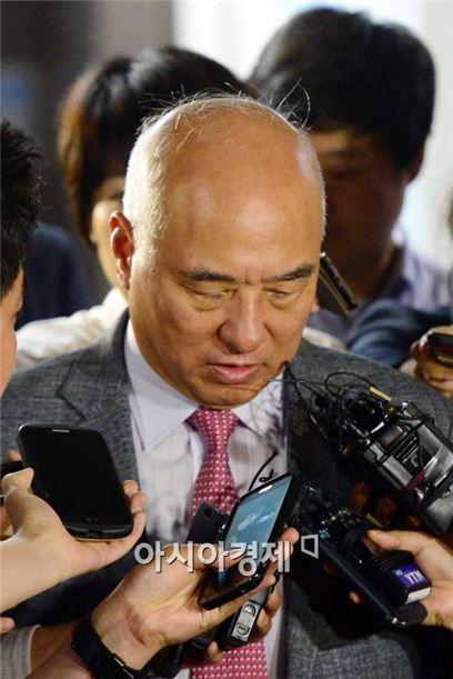 ▲문창극 총리 후보자가 망언 논란에 휩싸였다.