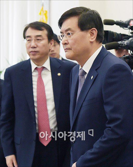 [포토]주택활성화 당정 참석하는 서승환 장관