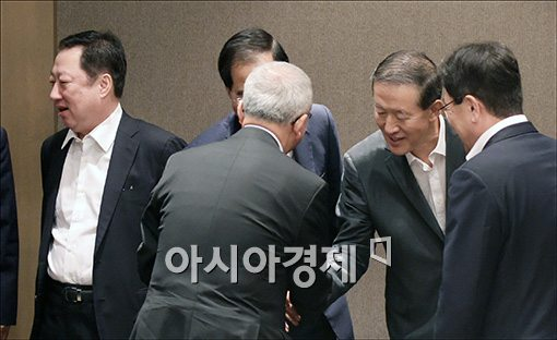 [포토]경제5단체장 만나는 현오석 부총리