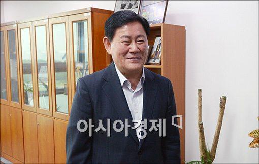 최경환 경제부총리 내정자 재산 45억8천 신고