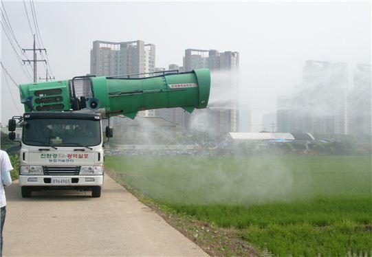수원시의 친환경 방제작업 모습