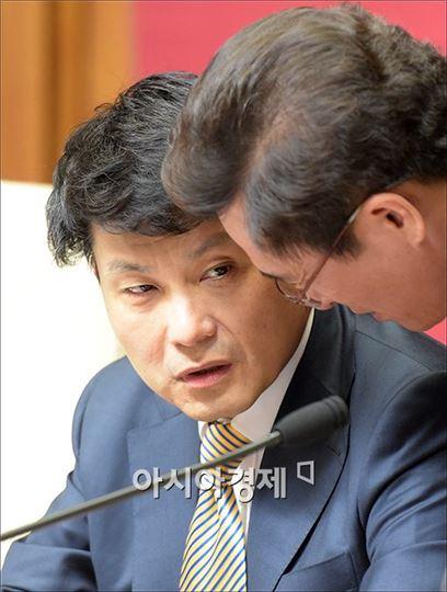 """윤상현 """"이병기 정치자금법 위반…과잉 정치 공세"""""""