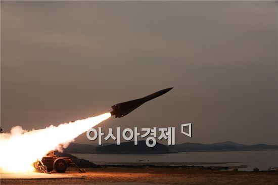 북한이 지난달에 이어 또다시 예고 없이 동해상에 미사일을 발사했다.