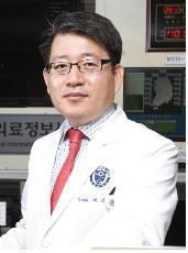 이강현 교수