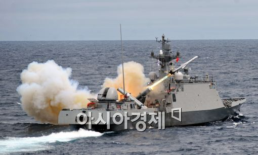 [포토]동해상 실사격 훈련 실시