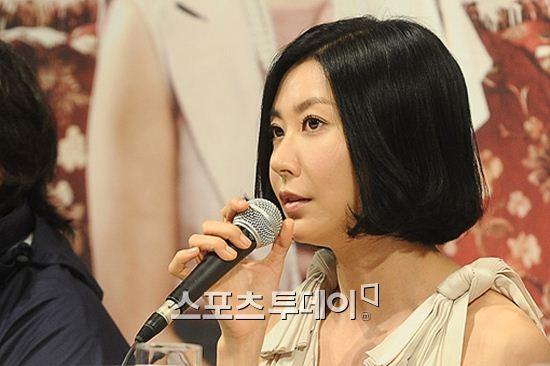 성매매 혐의로 기소된 성현아가 벌금 200만원 형을 선고받았다.