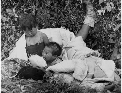 ▲6.25전쟁 사진 특별전 맥스 데스포의 '전쟁 고아의 눈물'(사진:예술의 전당 제공)