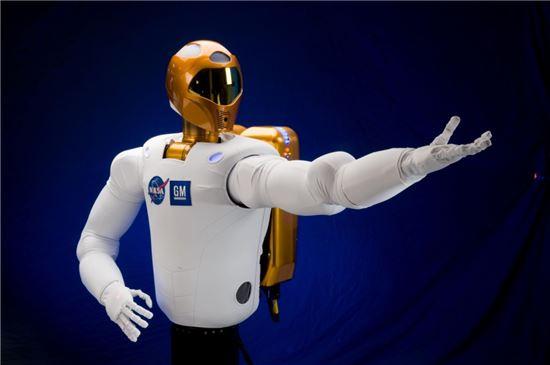 ▲우주비행사들의 3D 작업을 대체할 로보노트.[사진제공=NASA]