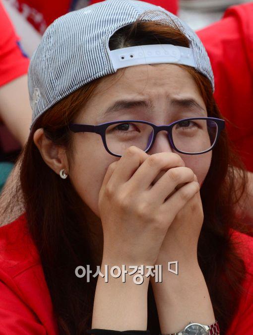 [포토]대한민국 대표팀 16강 진출 실패, '계속 눈물이 나…'