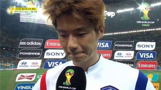 ▲기성용이 다음번 월드컵을 기약하며 눈물을 보였다. (사진: MBC 방송화면 캡처)