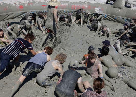 지난해 여름에 열린 '2013년 보령머드축제' 모습