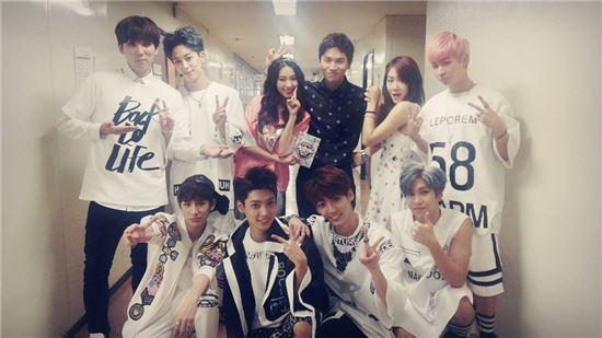 케이윌(상단 오른쪽에서 세 번째) /스타쉽엔터테인먼트 제공