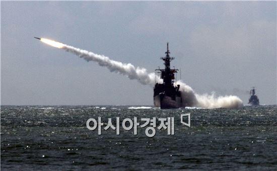 한민구 국방부장관 후보자가 독자적인 정보감시체계인 킬 체인(Kill chain)과 북한의 미사일을 방어할 한국형 미사일방어체계(KAMD)을 조기에 구축하겠다고 강조했다.