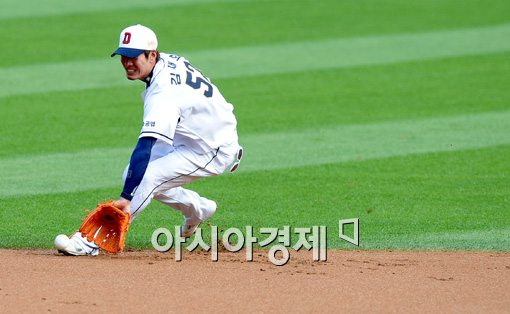 [포토]김재호,'한계란 없는 수비 범위'
