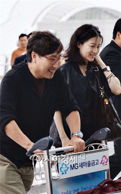 이영애 정호영 부부의 선행이 대만언론을 통해 대서특필됐다.