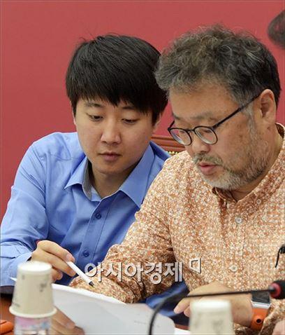 조동원 새누리당 전 홍보본부장(오른쪽)