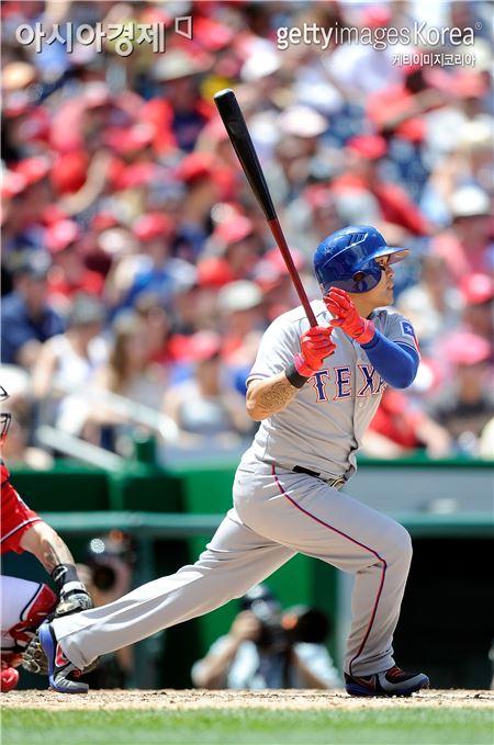추신수가 시즌 12호 홈런을 때렸다. (사진제공 = Getty Images/멀티비츠)