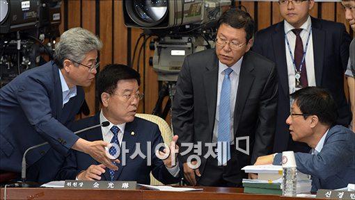 [포토]이병기 국정원장 후보자 인사청문회