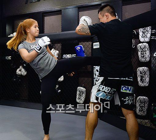 ▲'로드 FC' 데뷔에 앞서 당찬 각오를 보인 송가연