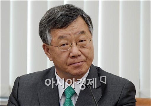 정치권과 잇단 갈등 안홍철 KIC 사장 사의