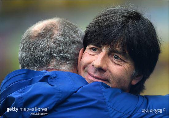 요하임 뢰브 독일 감독(오른쪽)[사진=Getty Images/멀티비츠]