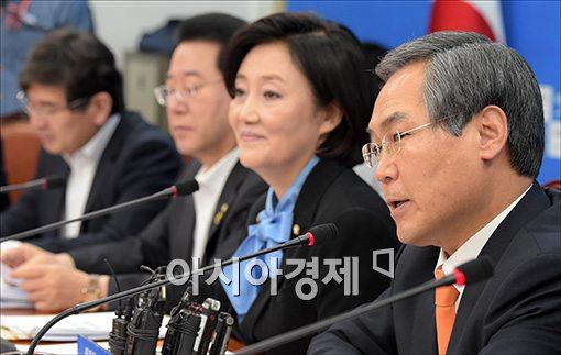 [포토]발언하는 우윤근 정책위의장