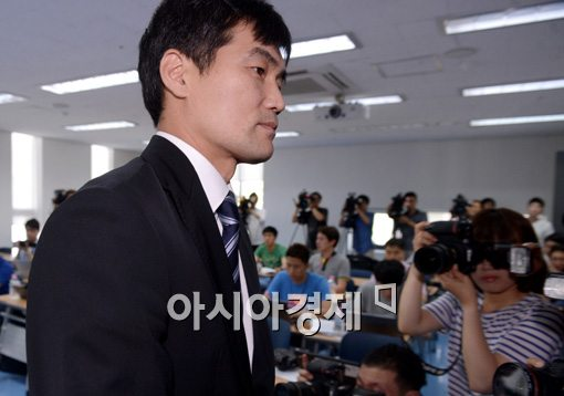 [포토]퇴장하는 정재근 감독