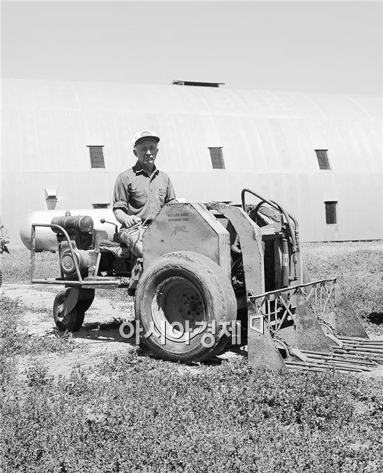 켈러 형제가 발명한 최초의 로더